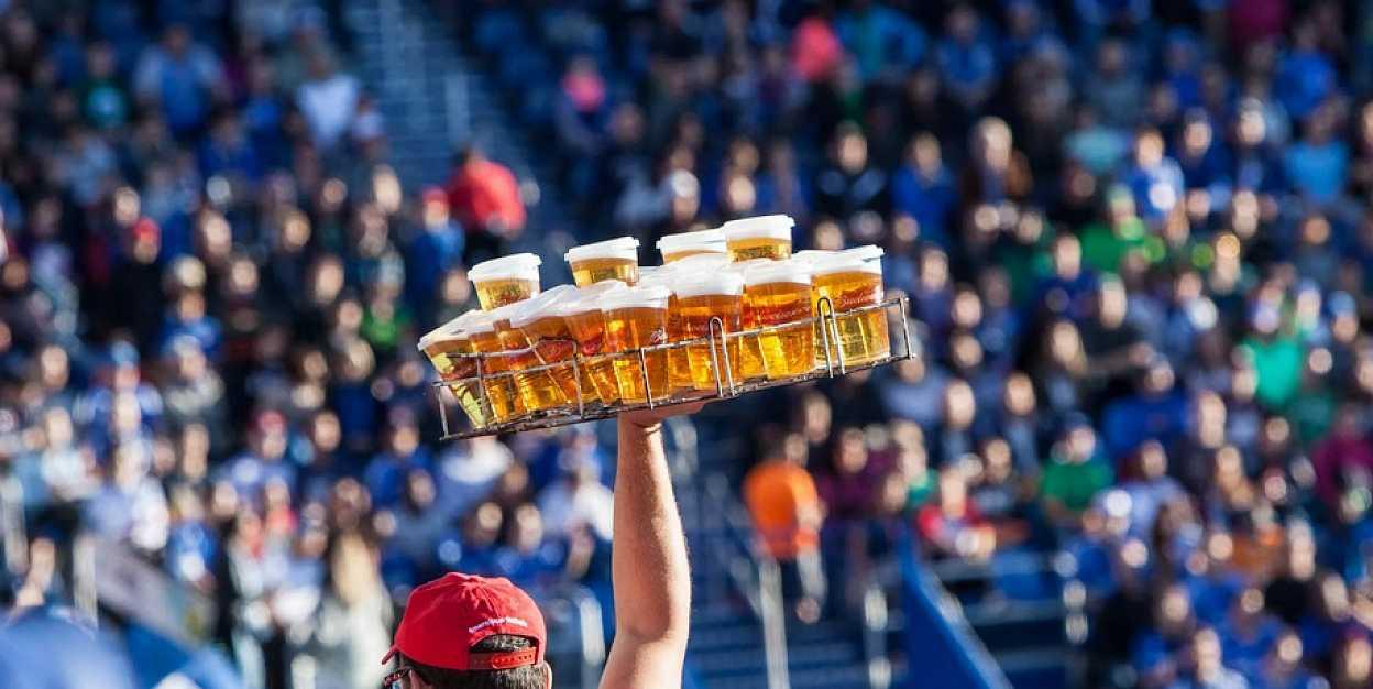 Вернется ли пиво на стадионы?
