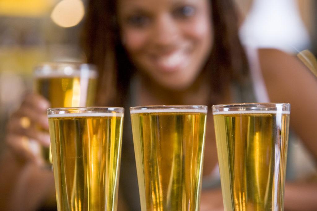 Женщины ЮАР производят крафт пиво