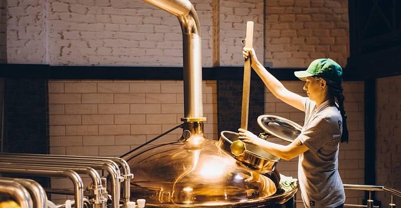 Женщины-пивовары сварили пиво к 8 Марта