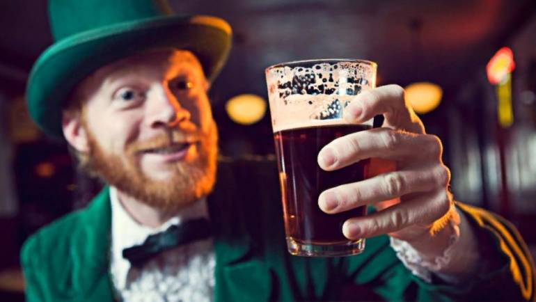 В Ирландии пивом удобряют елки